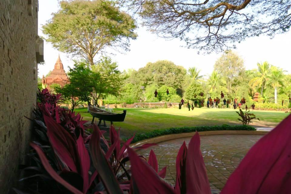 Umbra Hotel a Bagan - giardino